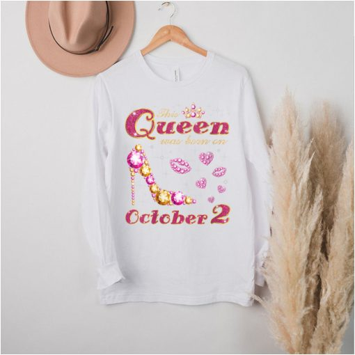 Womens This Queen was born on October 2, 2nd October Birthday V Neck T Shirt
